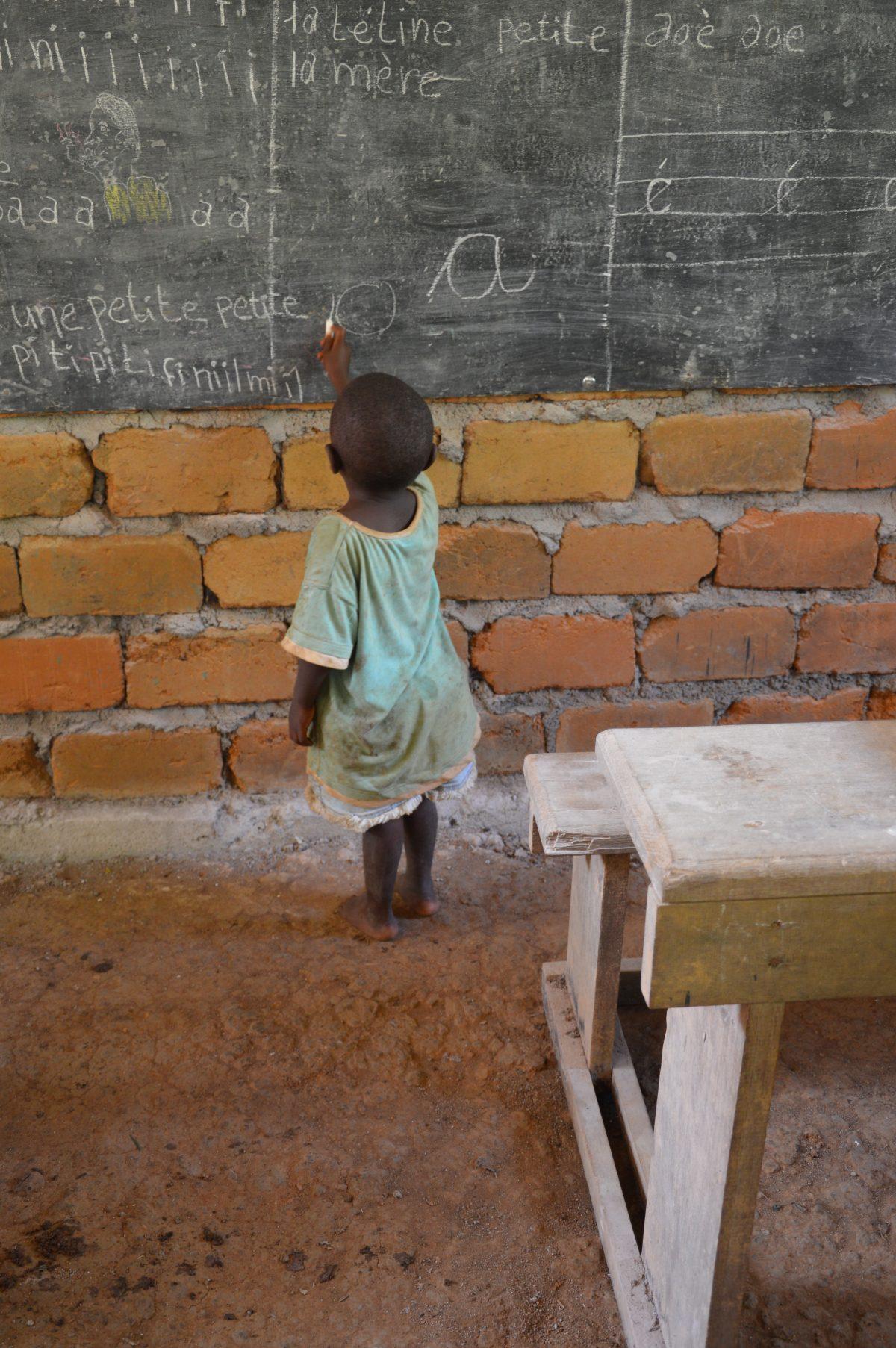 Non si mette mai d'imparare...- non mi ricordo di chi sia la foto fatta in Camerun... ma è bellissima, forse Santina Barboni, Monia Bregallini o Monia Pecchia
