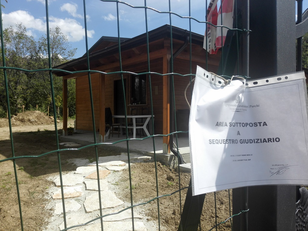 Casetta di Peppina in legno messa sotto sequestro la mattina del 19/09/2017