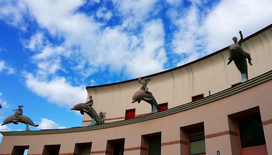 Viareggio il Carnevale, Particolare della facciata di uno stabile della Cittadella