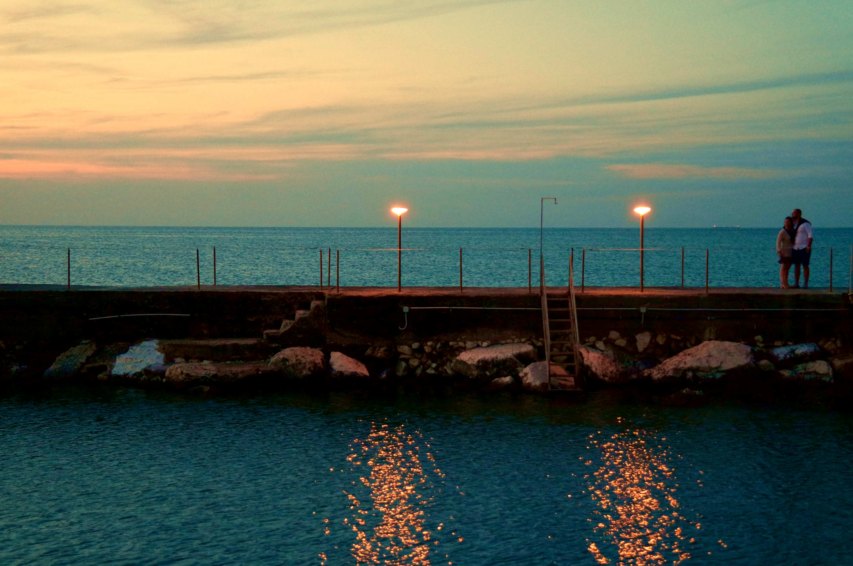 Ancona, quando il sole tramonta ad Est - L'amore del mare.